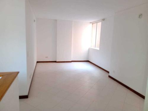 Imagen 1 de 14 de Apartamento Seminterno,garaje,cuarto Útil,3 Alcobas,américa!