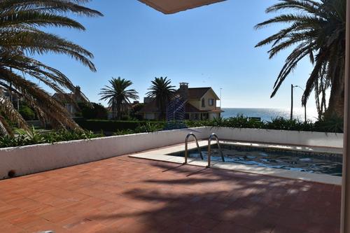 Residencia En Peninsula- Casa En Venta- 5 Dormitorios- Ref: 1577