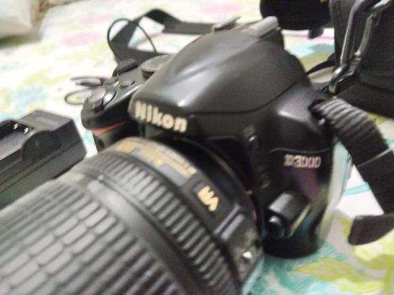 Camera Digital Nikon D3000 + Lente 18-105