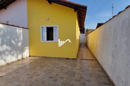 Imagem 1 de 13 de Casa Com Quintal E Churrasqueira A 200 Metros Rodovia