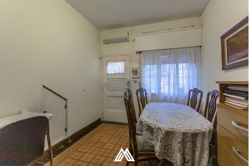 Se Vende Apto-casa 1 Dormitorio, Patio Y Cochera.