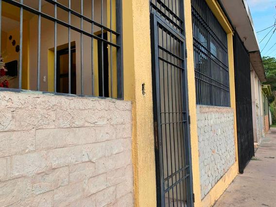 Casa En Venta Los Cardones Municipio Libertador 20-4648 Prr