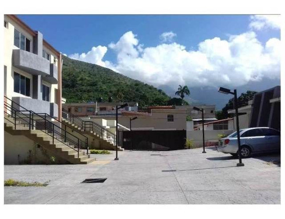 Townhouses En El Castaño / Ovidio Gonzalez / 04163418694