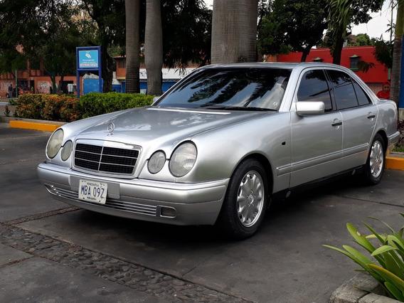Mercedes Benz E320 1.997