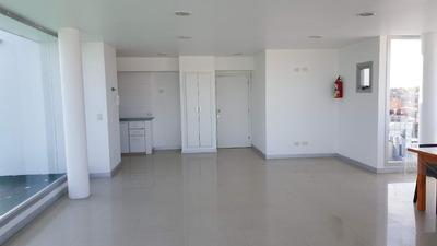 Alquilo Oficina. Juan B Justo Y San Luis, Zona Hpc