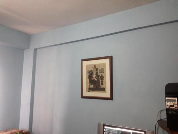 Oficinas En Venta En Centro Barquisimeto Lara 20-2078