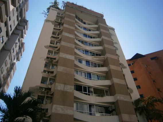 Apartamento En Venta El Bosque Valencia Cod20-11037 Gz