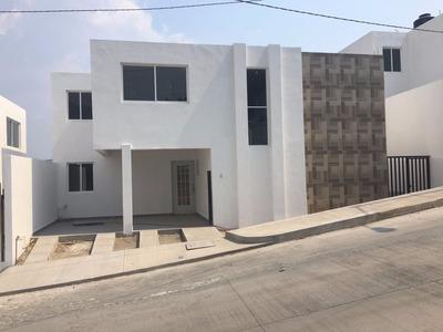 Hermosa Casa De 3 Recamaras.