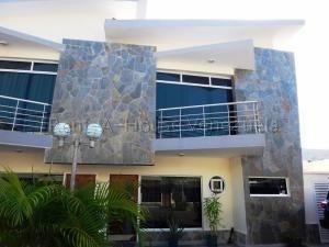 Townhouse Venta Manantial Codflex 20-8424 Marianela Marquez