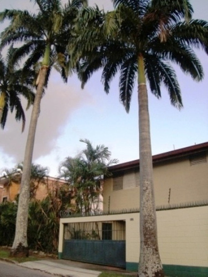 587m2/352m2 Bella Casa Con Piscina En El Trigal Norte