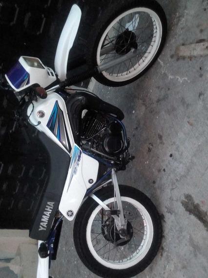 Yamaha Dt 125 Blanca Y Azul