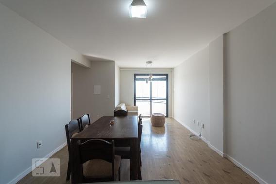 Apartamento No 11º Andar Mobiliado Com 2 Dormitórios E 1 Garagem - Id: 892947408 - 247408
