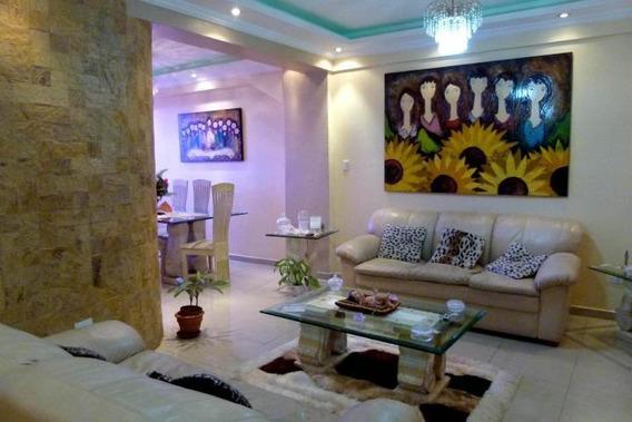 Apartamento En Venta Amoblado Urb San Jacinto 20-13263 Mv