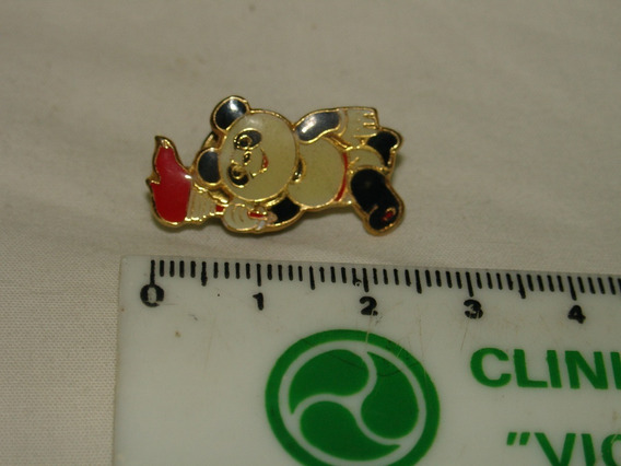 Pin Antigo Olimpiadas Urso Panda Tocha Olimpica Mascote