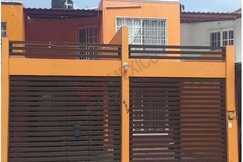 Casa En Venta En Fraccionamiento Lomas Del Sauce, Al Sur Oriente De La Ciudad De Tuxtla Gutierrez