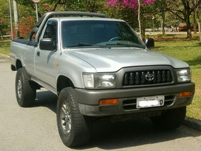 Toyota Hilux 3.0 Cab. Simples 4x2 2p