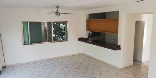 Departamento En Renta, Calle 9 Sur, Col. Ejidal, Playa Del Carmen, Quintana Roo