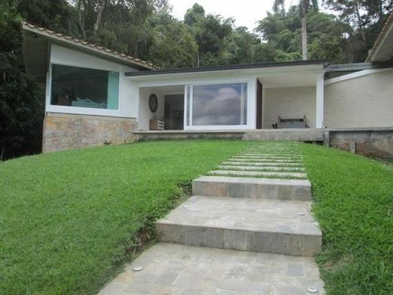Venta De Casa En Urb. Alto Hatillo/ Código 20-17399/ Edgar I
