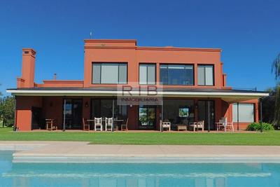 Haras San Pablo -propiedad Sobre 5400 M2 - General Rodriguez