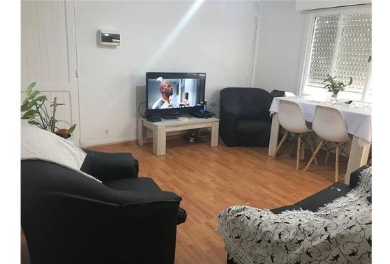 Departamento En Venta Dos Dormitorios La Plata.