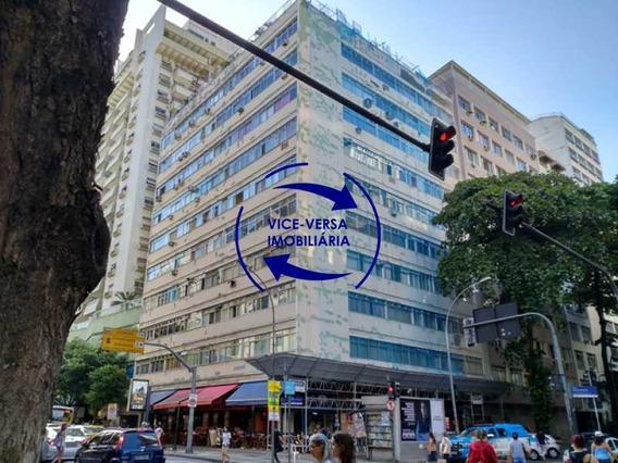 Apartamento À Venda Em Copacabana - Próximo Do Metrô Siqueira Campos, Reformado, Com Armários, Suíte, Cozinha Conjugada Com A Área De Serviço E Dependências Completas! - 1309