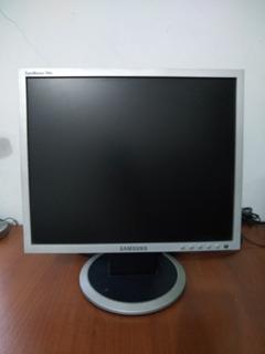 Monitor Sansumg 740n Con Defecto En Pantalla
