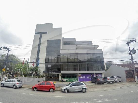 Sala Comercial Com Aproximadamente 70 M², No Bairro Ponta Aguda. - 3576197l