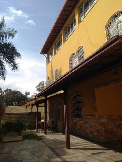 Casa Colonial No Bairro Planalto. 4 Quartos, 3 Salas. Piscina E Ótima Localização. - 1994