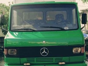 Mercedes Benz 710 Ano 2001
