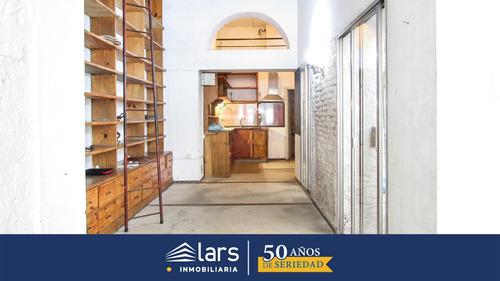 Casa En Venta / Ciudad Vieja - Inmobiliaria Lars