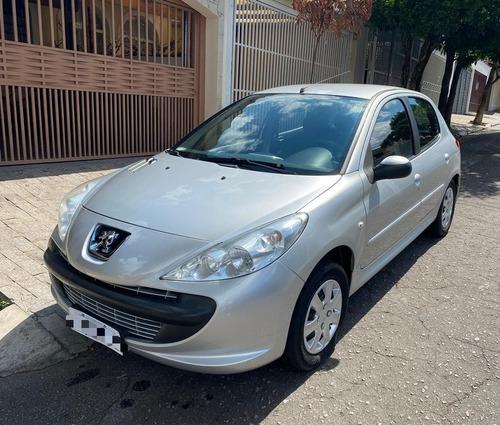 Imagem 1 de 11 de Peugeot 207 2011 1.4 Xr Flex 5p