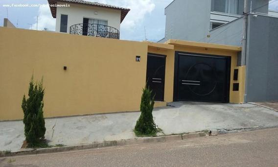 Casa Para Venda Em Tatuí, Colina Verde, 3 Dormitórios, 1 Suíte, 2 Banheiros, 4 Vagas - 0015