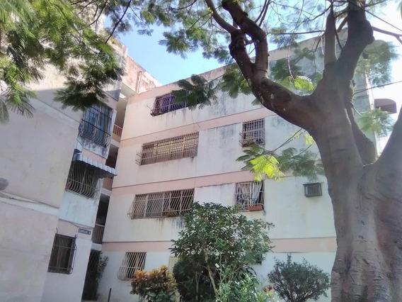 Apartamento En Alquiler En Las Acacias Maracay Puo 20-22505