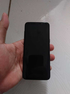 Celular Samsung S8, Fundo Trincado