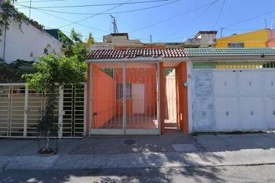 Oportunidad! Casa De 2 Recamaras En Huentitan