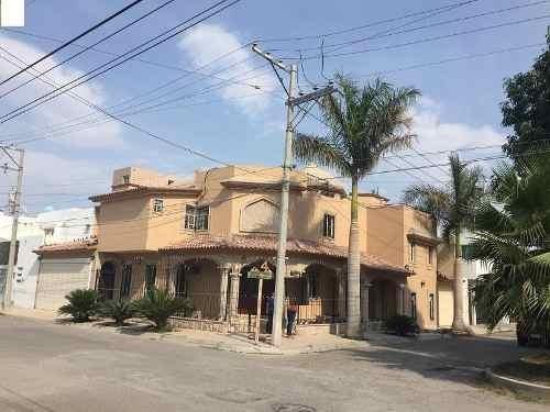 Casa En Venta En Quintas San Isidro