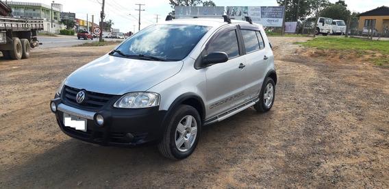 Vw Volkswagen Crossfox 1.6 Muito Bem Conservada