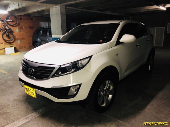 Kia New Sportage Revolution 2000 Cc At