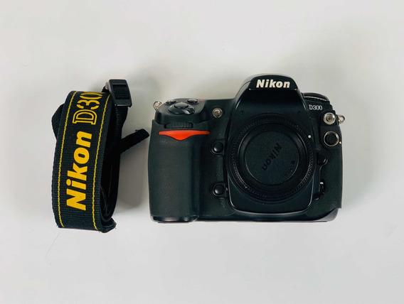 Câmera Nikon D300, Lente 18-200, Lente 50mm E Brindes.