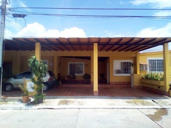 Hermosa Casa En Tierra Del Sol, San Joaquín. (atc-367)
