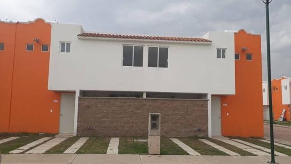 Casa De 3 Recàmaras Y Un Baño Y Medio En Zumpango