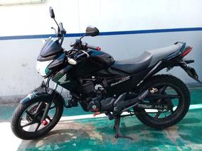Honda Invicta 150 - Negro