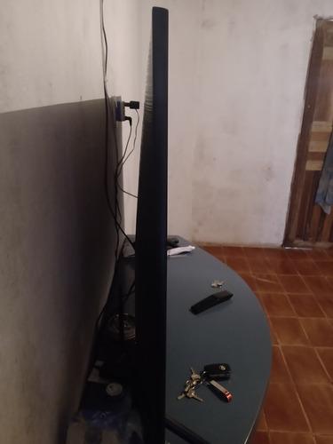 Imagem 1 de 3 de Vendo Tv Ismart 50 Polegadas
