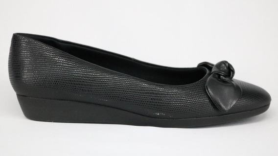 Sapato Usaflex Em Couro Anabela Com Laço Preto