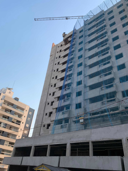 Apartamento Em Fase De Construção