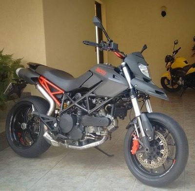 Ducati Hypermotard 796 2011