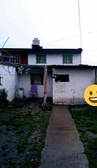 Vivienda Con Dos Dormitorios. Calle Neuquen,