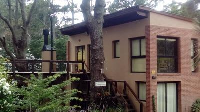 Casa En Dos Plantas, 3 Habitaciones 3 Baños, Cochera 2 Autos