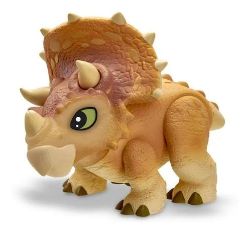 Imagem 1 de 4 de Dinossauro Triceratops Jurassic World Dinos Baby Universal