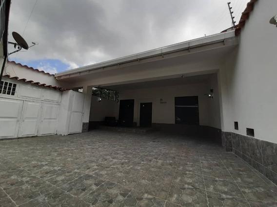 Bella Casa En Trujillo Urbanización Carmona